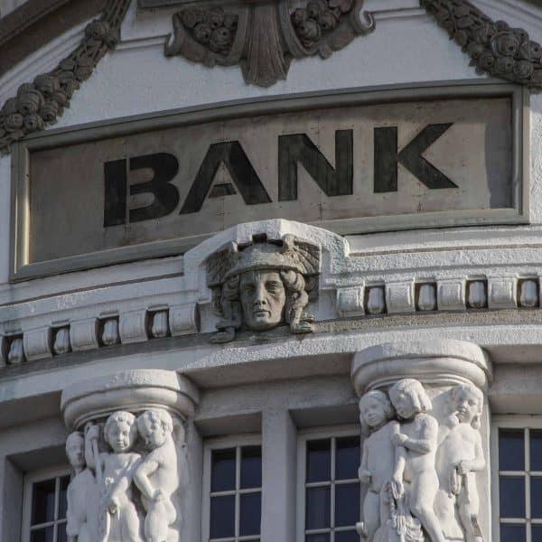 Sammelklage gegen die Mercedes Bank – Bankgebäude